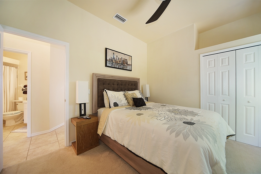 Guest Bedroom Villa Coral Belle